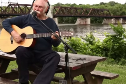 """Croz """"Plays for Change"""" inAlbany"""